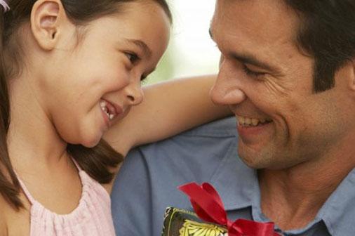 A la venta diseños de postales por el Día de los Padres