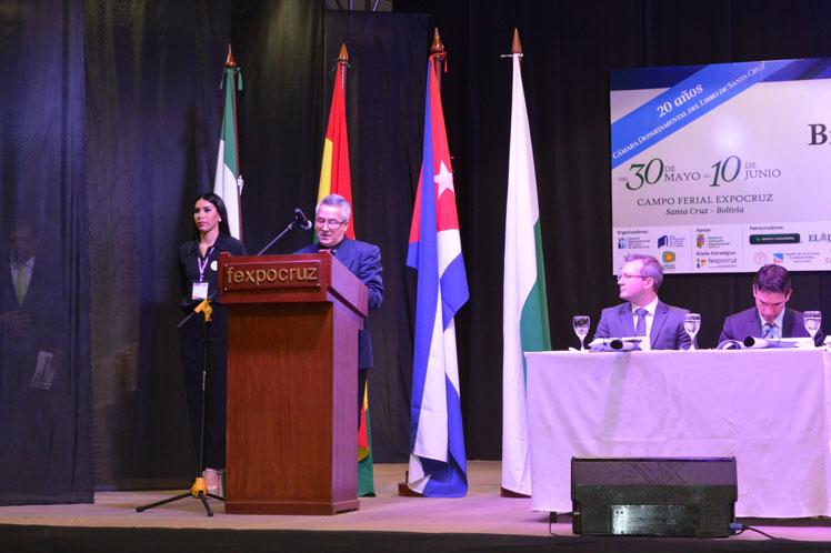 Exitosa participación cubana en feria literaria de Bolivia