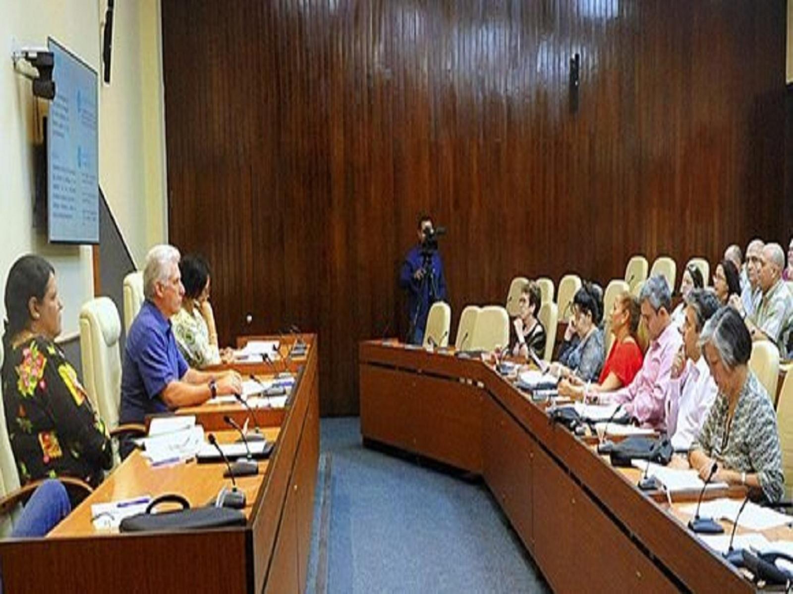 Presidió Díaz-Canel nuevo encuentro de trabajo para dar seguimiento al proceso de informatización de la sociedad. Foto: @PresidenciaCuba/Twitter.