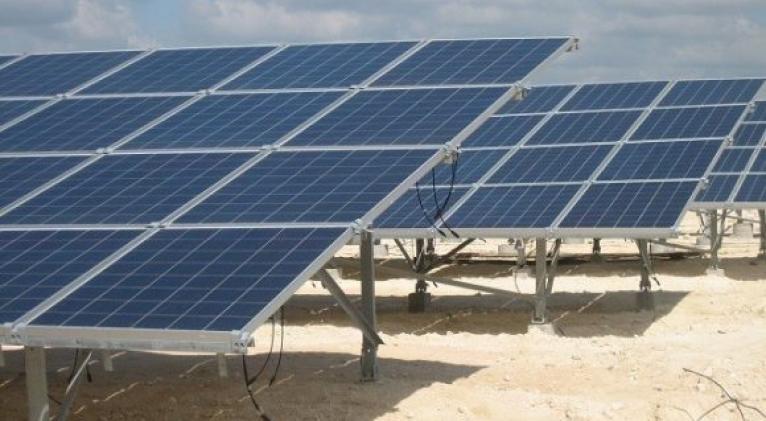 Alta disponibilidad de los 72 parques fotovoltaicos instalados en Cuba