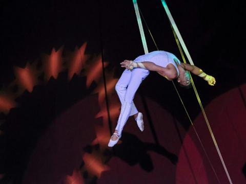 Promesas del arte circense concursan en La Habana