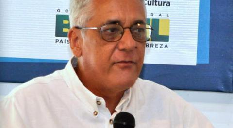 Otorgan a Virgilio López Lemus Premio Samuel Feijóo de Poesía 2020