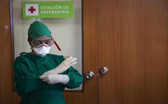 Las cubanas suman más del 70 por ciento de las personas empleadas en el sector de la salud. Foto: Irene Pérez/ Cubadebate.