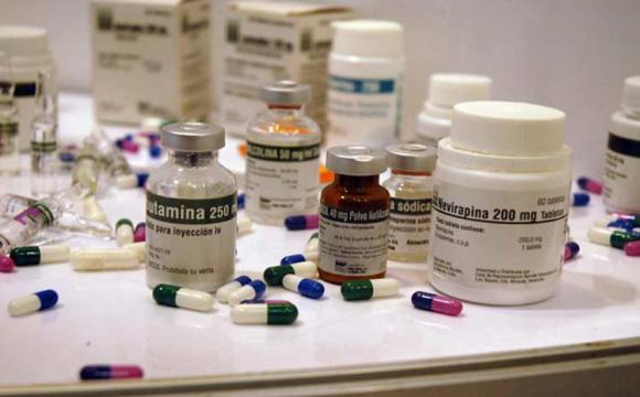 Cuba garatiza suministros médicos en franco desafío al bloqueo