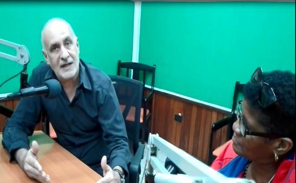 De visita en la provincia de Sancti Spíritus el presidente de la Unión de Periodistas de Cuba habló en la radio provincial sobre las esencias de los cambios que requieren los medios públicos de comunicación .