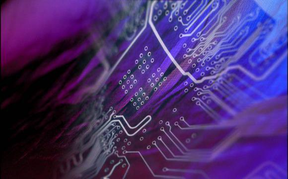 """El futuro llegó hace rato: científicos crearon una pantalla de tela de seis metros —con teclado incorporado— que resiste hasta 1.000 ciclos de doblados, estiramiento y lavados. Sus creadores aseguran que este nuevo tejido electrónico es """"ideal"""" para todo"""