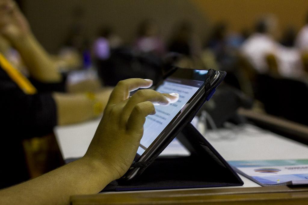 Niñas y mujeres en las TIC: conquistar el derecho y la igualdad